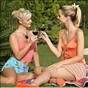 Lesbianas borrachas se aman al aire libre